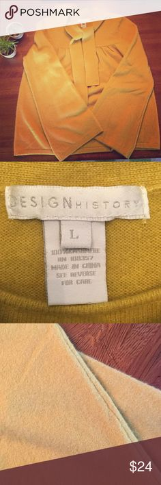 Gorgeous Chartreuse Yellow 💯 Cashmere Sweater, L Beautiful thick 100% cashmere chartreuse yellow sweater with neck tie. This sweater has trumpet sleeves and gathering at the top. The sweater also has minor pilling and a tiny hole on the back in the gathering - see pics for details. Overall. A beautiful sweater in a unique color! Design History Sweaters Crew & Scoop Necks