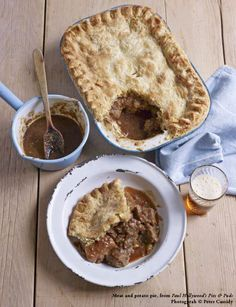 This delicious meat and potato pie recipe is very easy to make, and a good hearty meal to serve for the rest of your family! This pie recipe from the King of baking, Mr Paul Hollywood, is a must-try at home! Paul Hollywood Meat And Potato Pie, Paul Hollywood Recipes Pies, Paul Hollywood Pastry, Mary Berry, Uk Recipes, Baking Recipes, Meat Pie Recipes, Simple Recipes, Chicken Recipes