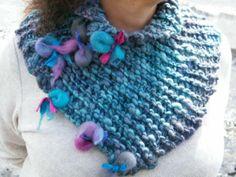 Cuellos tejidos lana vellon y broches en fieltro