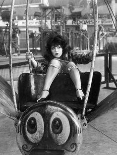 Clara Bow, 1927.