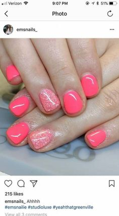 Pretty nails Beste Pediküre Ideen Sommer Zehennägel Hautpflege Ideen A Family Affair for Hair Out of Fancy Nails, Cute Nails, Pretty Nails, Pretty Toes, Glitter Accent Nails, Dipped Nails, Colorful Nail Designs, Powder Nails, Creative Nails