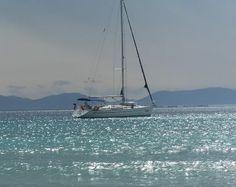 Una Splendida Barca a Vela su di un Mare Spettacolare!!!