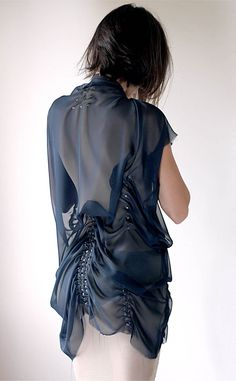 Made in only 20 minutes..see how: http://the-opsis.com/fashion/8/5/2013-20-minutes-dresses