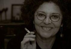"""#Ευγενία_Φακίνου: """"Εμένα ποτέ δεν με ενδιαφέρουν οι προσωπικές ιστορίες εάν δεν ακουμπάνε σε ιστορικά και κοινωνικά γεγονότα όπου να καθρεφτίζεται ένας μεγάλος αριθμός ανθρώπων"""" _________________ Γράφει η Ελένη Γκίκα  #book #author #interview #syggrafeas http://fractalart.gr/eygenia-fakinou/"""