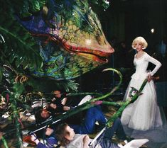 Theatre Nerds, Musical Theatre, Little Shop Of Horrors Costume, Marilyn Film, Ellen Greene, Horror Costume, Funny As Hell, Horror Films, Scary Movies