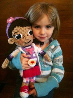 Doc McStuffins Crochet Doll Crochet Disney, Doc Mcstuffins, Disney Theme, Crochet Baby Booties, Cute Creatures, Lilo And Stitch, Diy Toys, Crochet Dolls, Game Character