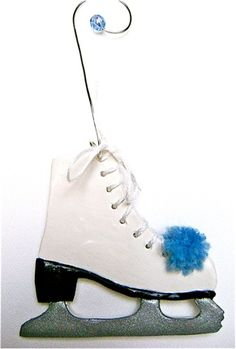 Adorable ice-skate-ornament you can make yourself with instructions by @divaonline1