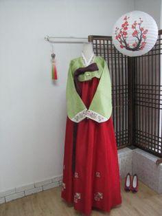 HANBOK SET / 한복 / Korean Traditional Clothes.