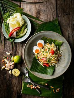 Authentic Thai food by The Tourism Authurity of Thailand (Photograph section) . Thai Street Food, Thai Recipes, Asian Recipes, Eat Thai, Authentic Thai Food, Food Menu Design, Food Porn, Thai Dishes, Food Concept