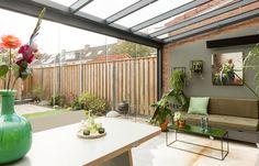 Verasol Profiline Überdachung | Entdecken Sie grenzenlose Möglichkeiten House Extension Design, Extension Designs, Kalter Winter, House Extensions, Trellis, Diy Projects, Backyard, Outdoor Decor, Plants