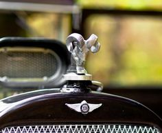 Ram Horns Vintage Cars, Antique Cars, Car Hood Ornaments, Ram Horns, Radiator Cap, Car Signs, Civil Aviation, Cars And Motorcycles, Hot Rods