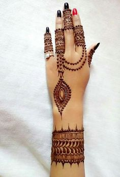 Explore latest Mehndi Designs images in 2019 on Happy Shappy. Mehendi design is also known as the heena design or henna patterns worldwide. We are here with the best mehndi designs images from worldwide. Henna Hand Designs, Mehndi Designs Finger, Mehndi Design Photos, Unique Mehndi Designs, Mehndi Designs For Girls, Beautiful Mehndi Design, Bridal Mehndi Designs, Henna Tattoo Designs, Mehandi Designs