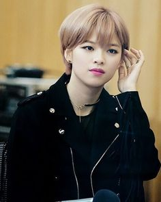 October 6th Other girl k-pop idols are only Jeongyeon (Twice) (i don't really listen to girl groups) I like her because she's different from the others (she's the only member with short hair ) and idk her vocals are great (i forgot to upload today because i had practice and school and we're moving out) // #jeongyeon #kpop #twice