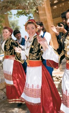 Photos of the Restaurants of Creta Palace luxury hotel in Rethymno Crete. Greek Traditional Dress, Traditional Outfits, Mykonos, Santorini, Dance Costumes, Greek Costumes, Greek Dancing, Zorba The Greek, Costumes Around The World