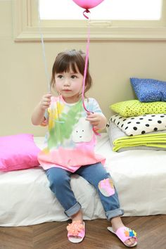 e-annika.com  cutest little girl ever haha
