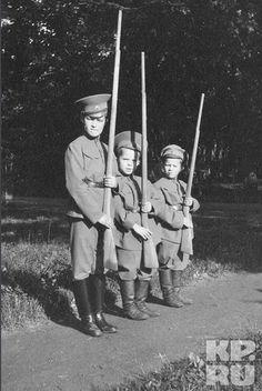 Alexei with Derevenko's Sons