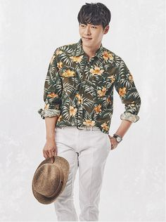 Hyun Bin Considers K-movie Return and Looks Relaxed in New Pictorial Set for Official Korea Fan Club Hyun Bin, Korean Men, Korean Actors, Secret Garden Drama, Hyde Jekyll Me, Kdrama, Big Drama, Soul Songs, Ha Ji Won