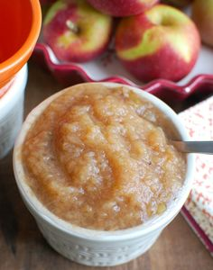 Once you make Crockpot Applesauce you will be making it time and time again. This is a favorite in my house. I love that I control all of the ingredients. Healthy Slow Cooker, Crock Pot Slow Cooker, Slow Cooker Recipes, Crockpot Recipes, Cooking Recipes, Healthy Recipes, Crockpot Applesauce Recipe, Clean Eating Breakfast, Healthy Side Dishes