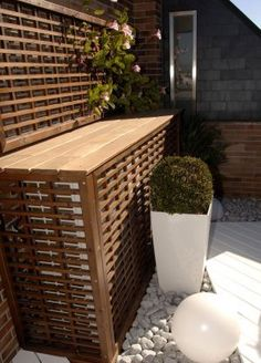 This outdoor ductless unit cover matches the decor in it's surroundings, making for a nice look for the patio. Air Conditioner Screen, Ideas Terraza, Garden Structures, Patio Design, Garden Design, Backyard Patio, Home Deco, Outdoor Decor, Ac Cover