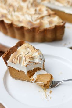 Our dairy-free version of a Sweet Potato Pie has a perfect velvety texture, crunchy ginger base and toasted marshmallow topping. I swear it's divine!   www.castironcookie.com
