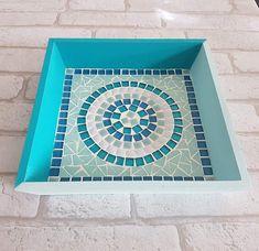 Mosaic Tray, Glass Mosaic Tiles, Mosaic Crafts, Mosaic Projects, Mosaics For Kids, Mosaic Tile Designs, Diy Table Top, Dollar Store Crafts, Fish Art