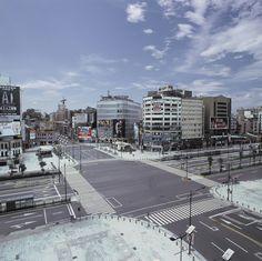 城市失格-西門町(原型) 袁廣鳴 攝影 150x150x3.5cm