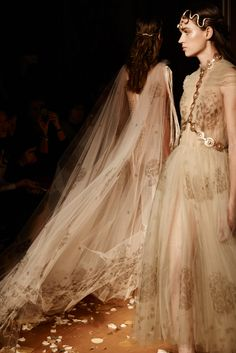 Valentino Spring/Summer 2016 Couture Paris Fashion Week, photo by Molly S. Paris Couture, Couture Fashion, Runway Fashion, High Fashion, Paris Fashion, Women's Fashion, Chiffon, Beautiful Gowns, Elie Saab