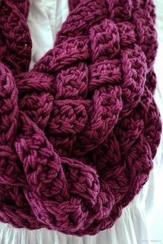 Repeat After me Crochet: Interweave: Rapunzel Scarf Free pattern ༺✿ƬⱤღ http://www.pinterest.com/teretegui/✿༻