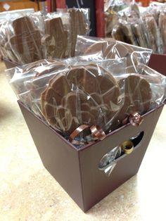 Thanksgiving Chocolate Lollipops! www.dunmorecandykitchen.com