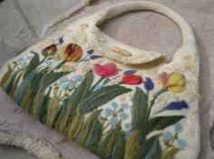 cartera de fieltro tulipanes 2 cartera pura lana de oveja fieltro amasado y agujado