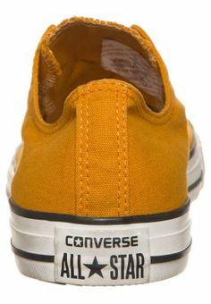 des converses basses, jaune moutarde