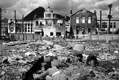 1950년 11월 1일. 서울수복후 중앙청의 모습.  지금의 미국대사관 부근에서 찍은것으로 보인다.