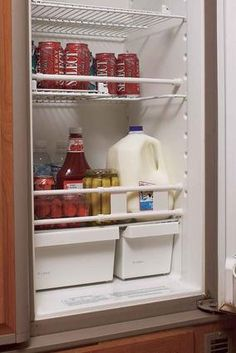 Keep refrigerator contents in place during travel. Adjustable white bars are spring-loaded so they stay in place. Holds larger food items to stop shifting and rattling. Helps prevent spills when you o