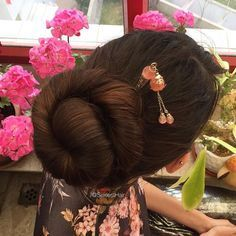 5 Agreeable Tips AND Tricks: Wedge Hairstyles Back View wedge hairstyles back view.Bob Cut Hairstyles Straight women hairstyles with glasses pixie cuts. Wedge Hairstyles, Hairstyles With Glasses, Fringe Hairstyles, Feathered Hairstyles, African Hairstyles, Hairstyles With Bangs, Updos Hairstyle, Bouffant Hairstyles, Beehive Hairstyle