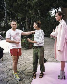 Phoebe Philo met l'austérité à la mode Look Fashion, Womens Fashion, Fashion Design, French Fashion, Birkenstock, Tank Top Outfits, Phoebe Philo, Mommy Style, Designing Women