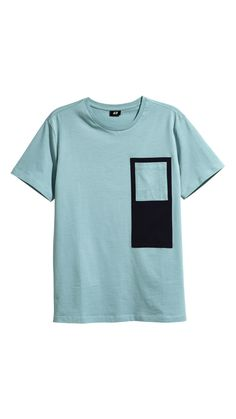 Browse all men's T-shirts and tanks by H&M. Choose from fitted tank top styles or loose and printed tees in a range of shades. Printed Polo Shirts, Cut Shirts, Boys T Shirts, Casual Dresses For Women, Men Casual, Knit Fashion, Casual T Shirts, Mens Tees, Shirt Style