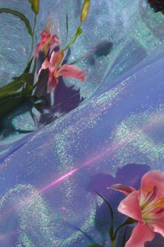 #holographic #color #aesthetic