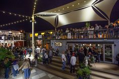 Container SA: 5 Small Businesses to Do in container Shipping Container Restaurant, Shipping Container Design, Shipping Containers, Container Bar, Hotel Floor Plan, Tiny House Village, Container Conversions, Food Park, Lounge Party