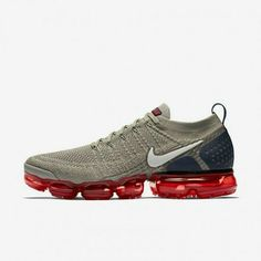 Cushioned Running Shoes, Black Running Shoes, Running Shoes For Men, Mens Running, Mens Nike Air, Nike Air Vapormax, Nike Men, Youth Basketball Shoes, Official Shoes