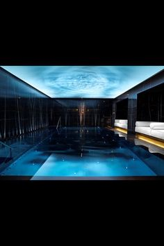 Hidden gem swimming pools at luxury London hotels Pool Indoor, Indoor Swimming Pools, Swimming Pool Designs, Lap Swimming, Lap Pools, Backyard Pools, Pool Decks, Pool Landscaping, Spa London