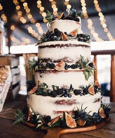 Semi Naked cake trend has really seen a great deal of popularity this year. For couple it makes a clear statement about their style, perfectly accompanying a boho wedding. Semi Naked Wedding Cake with Fig Decor Boho Wedding, Wedding Flowers, Dream Wedding, Wedding Day, Wedding Bells, Wedding Foods, Wedding Season, Wedding Themes, Wedding Colours
