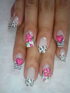 Uñas Accent Nail Designs, Valentine's Day Nail Designs, Flower Nail Designs, Daisy Nails, Flower Nails, Gel French Manicure, Manicure And Pedicure, Long Acrylic Nails, Acrylic Nail Art