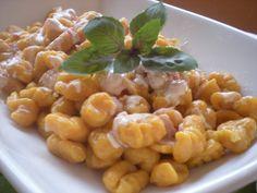 Ñoquis de calabaza  Podes ver la receta en:  http://recetasargentinas.net/noquisdecalabaza.html