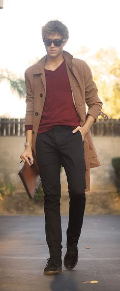 Great use of a trench. Love how the trousers and shoes are the same color; he's got legs for days. In fact, the whole palette here is beautifully harmonious.