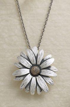 Daisy Pendant by James Avery Cute Jewelry, Jewelry Box, Jewelery, Silver Jewelry, Jewelry Accessories, Avery Jewelry, Body Jewelry Shop, Just Dream, Fashion Jewelry