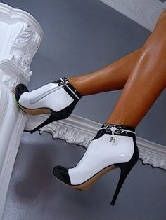 Black and White High Heeled Booties.....#hiphop #beats updated daily => http://www.beatzbylekz.ca/free-beat .