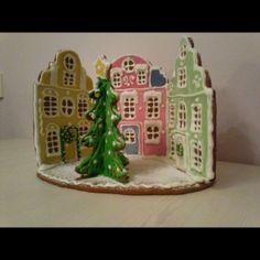 Christmas Goodies, Christmas Desserts, Christmas Treats, Christmas Baking, All Things Christmas, Christmas Stall Ideas, Christmas Gingerbread House, Gingerbread Houses, Cookie House