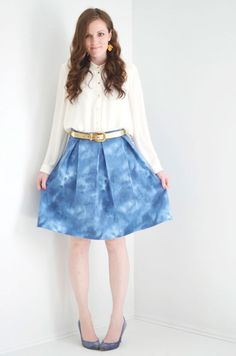 DIY Easy Pleated Skirt Tutorial - #sewing #crafts #DIY #beginner