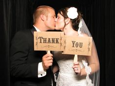 Darling idea for thank you post cards after your wedding! Use a photobooth!