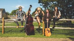 Brighton based wedding band Zazu are a 5 piece act who comprise bass, guitar, banjo, drums, keys and 3 female vocalists. Their set list is eclectic to say the least, taking in such musical luminaries as Mumford and Sons, Blackstreet, Blur and the Beatles.